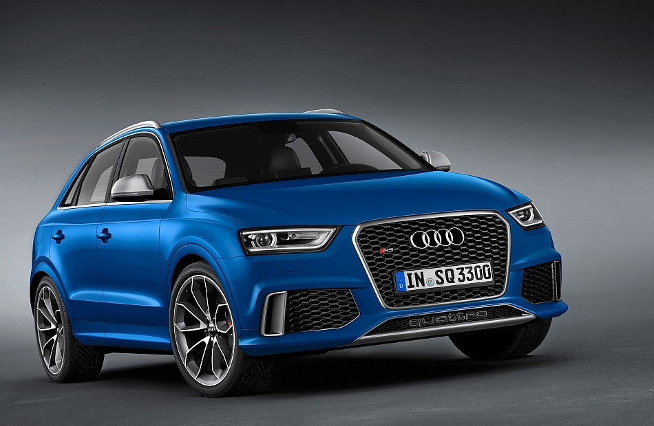 2014 Audi RS Q3 Front 3-4 Right Studio