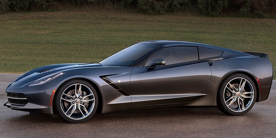 2014 Chevrolet Corvette Stingray C7 Front 7-8 Left Close Up