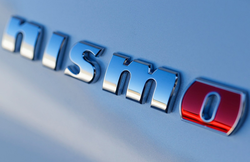 2014 Nissan 370Z Nismo Badge