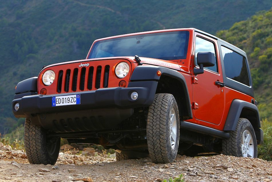 2012 Jeep Wrangler Rubicon Front 3-4 Left Off-Roading