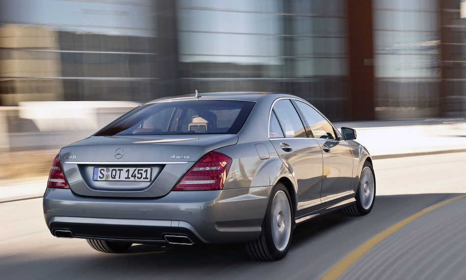 2012 mercedes benz s class rear 3 4 right cruising for Mercedes benz s class 2012