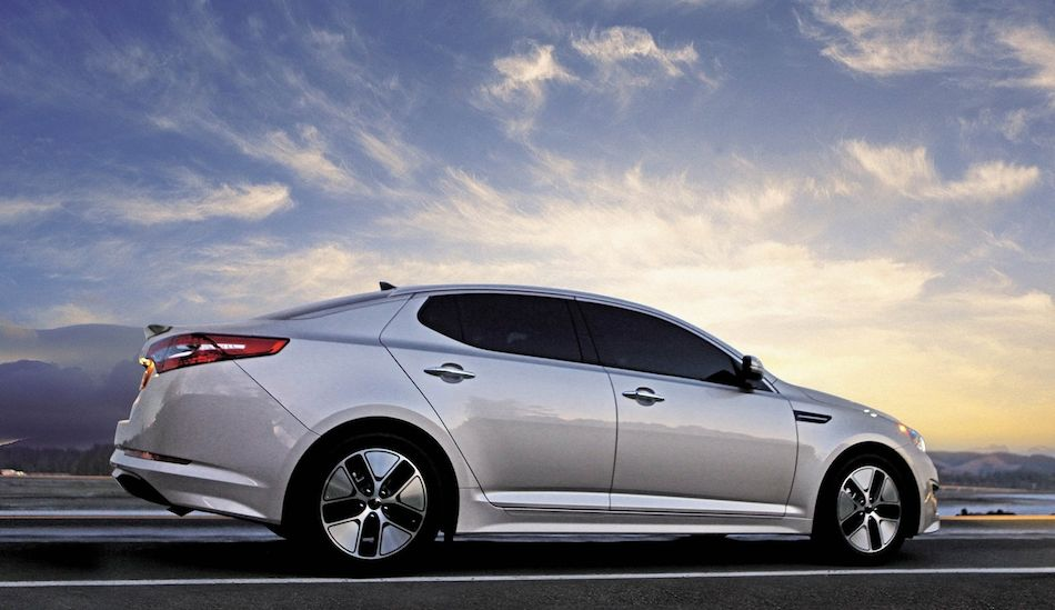 2013 kia optima hybrid rear 7 8 right low angle egmcartech. Black Bedroom Furniture Sets. Home Design Ideas