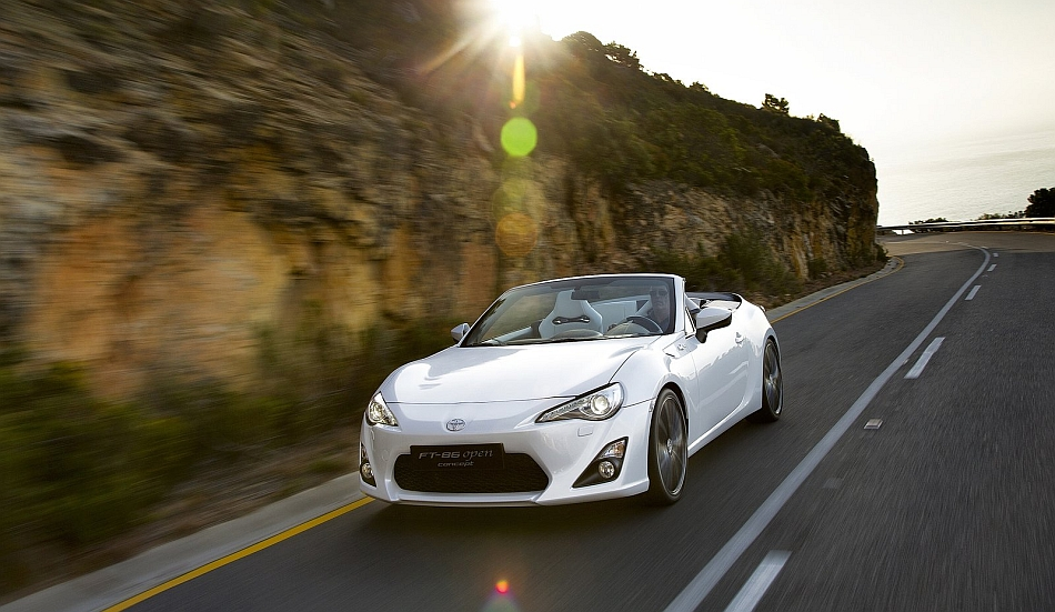 2013 Toyota FT-86 Open Concept Front 3-4 Left