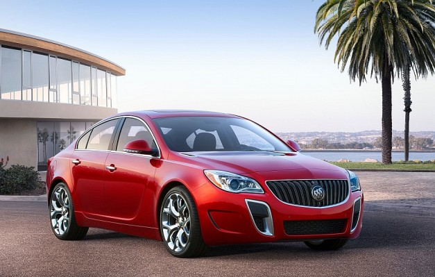2013 New York: Buick unveils updated Regal and Regal GS for 2014