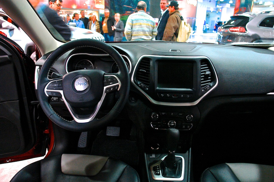 2014 jeep cherokee nyias interior front egmcartech. Cars Review. Best American Auto & Cars Review