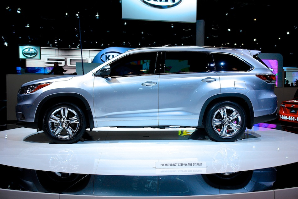 2014 Toyota Highlander NYIAS Left Side