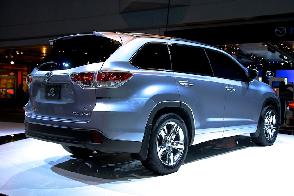 2014 Toyota Highlander NYIAS Rear 304 Right