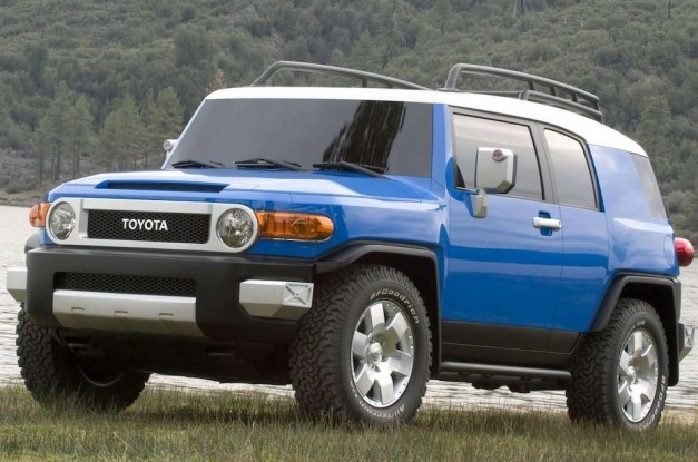 Recalls: Toyota and NHTSA recalling 2007-2013 FJ Cruisers over excessively bright headlights