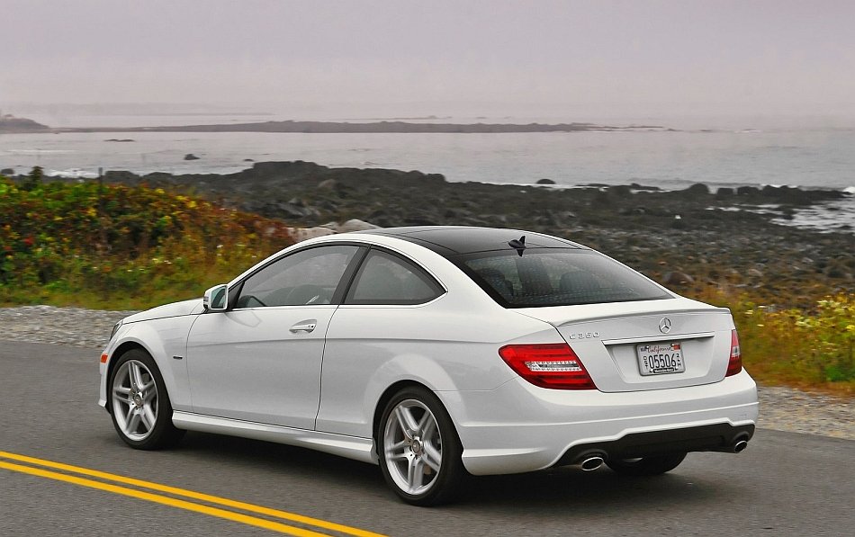 2013 mercedes benz c class coupe rear 7 8 left cruising for 2013 mercedes benz c class sedan