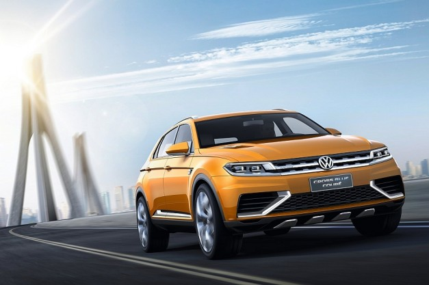 2013 Shanghai: Volkswagen unveils all-new CrossBlue Coupe Concept at Shanghai