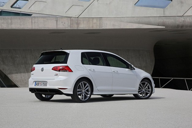 2013 Volkswagen Golf R-Line Package Rear 3-4 Right