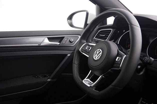 2013 Volkswagen Golf R-Line Package Steering Wheel