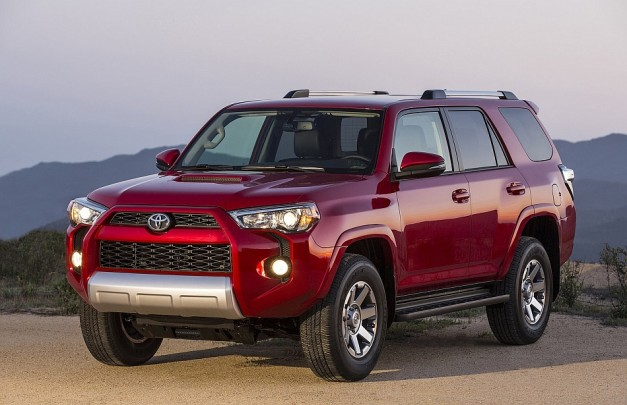Toyota reveals facelifted 2014 4Runner midsized SUV, gets minor visual and option upgrades