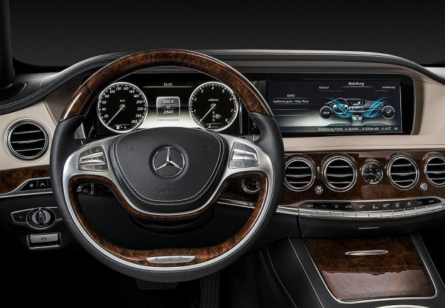 Report: Mercedes-Benz to offer heads-up display as option for the first time ever