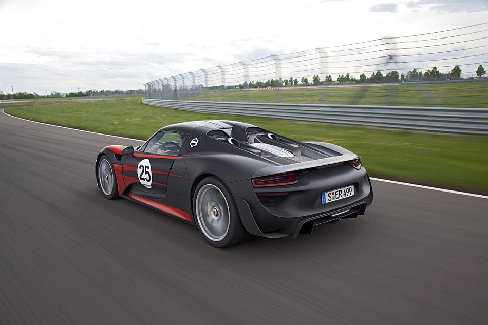 2015 Porsche 918 Spyder Production Rear 3-4 Left Cruising