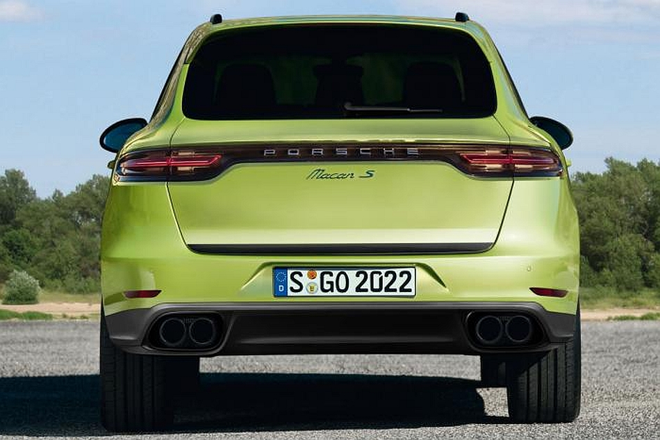 2014 porsche macan rear egmcartech. Black Bedroom Furniture Sets. Home Design Ideas