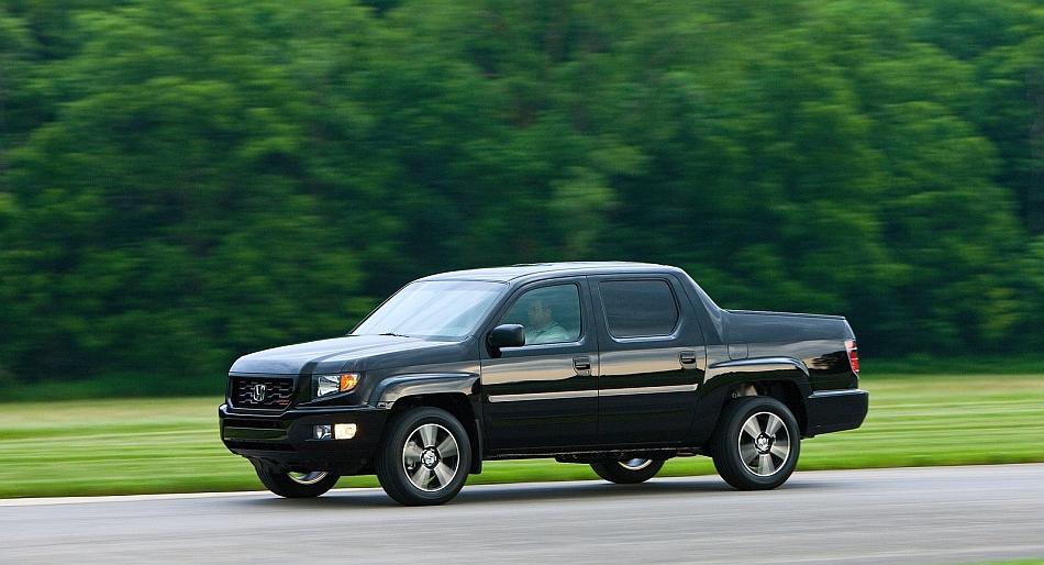 2012 Honda Ridgeline Sport Front 7-8 Left Cruising
