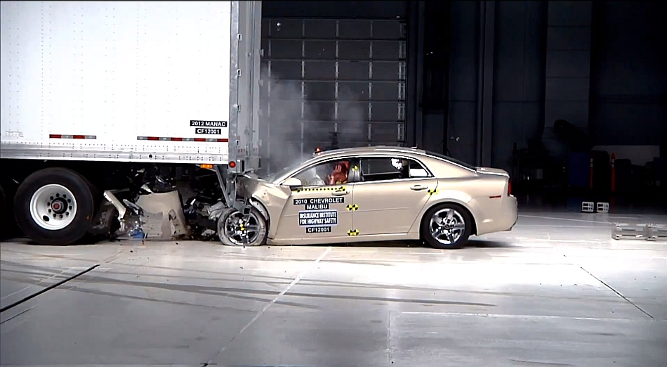 2013 IIHS Semi Trailor Collision safety