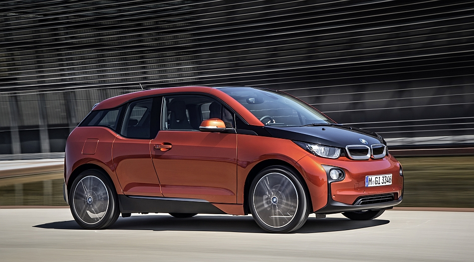 2014 BMW i3 Front 7-8 Right Cruising