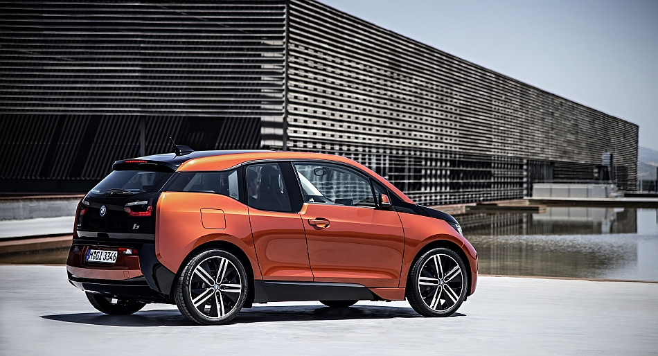 2014 BMW i3 Rear 7-8 Right
