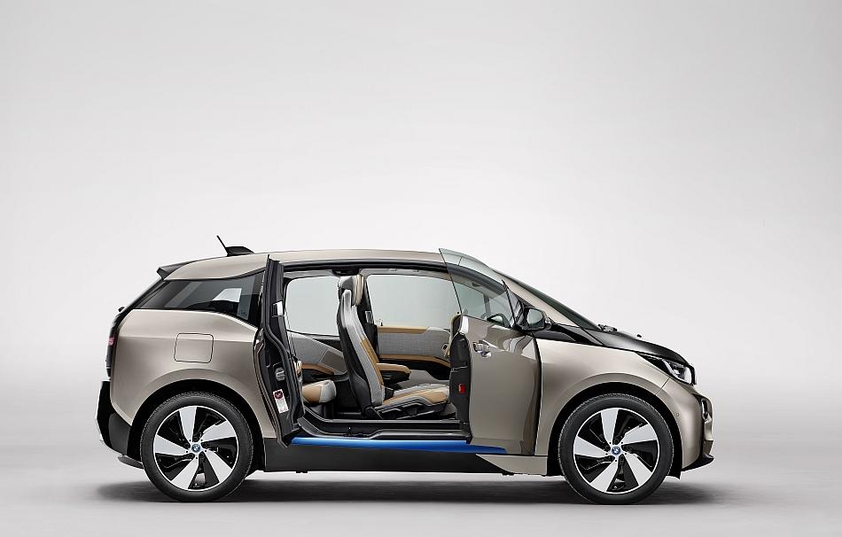 2014 BMW i3 Right Side Doors Ajar Studio