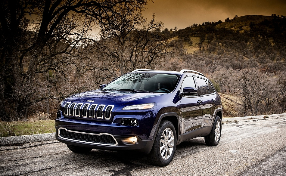 2014 Jeep Cherokee Front 3-4 Left Close Up