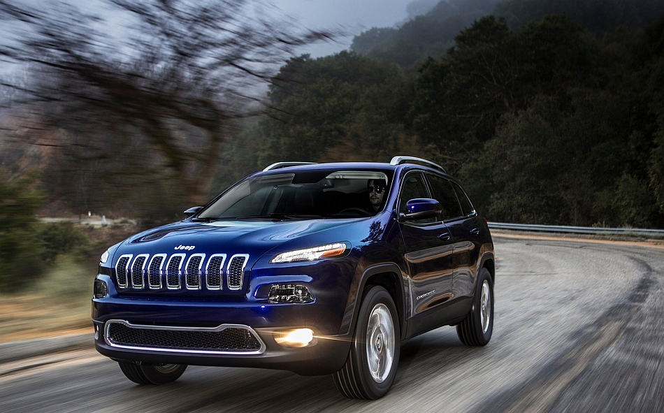 2014 Jeep Cherokee Front 3-4 Left Cruising