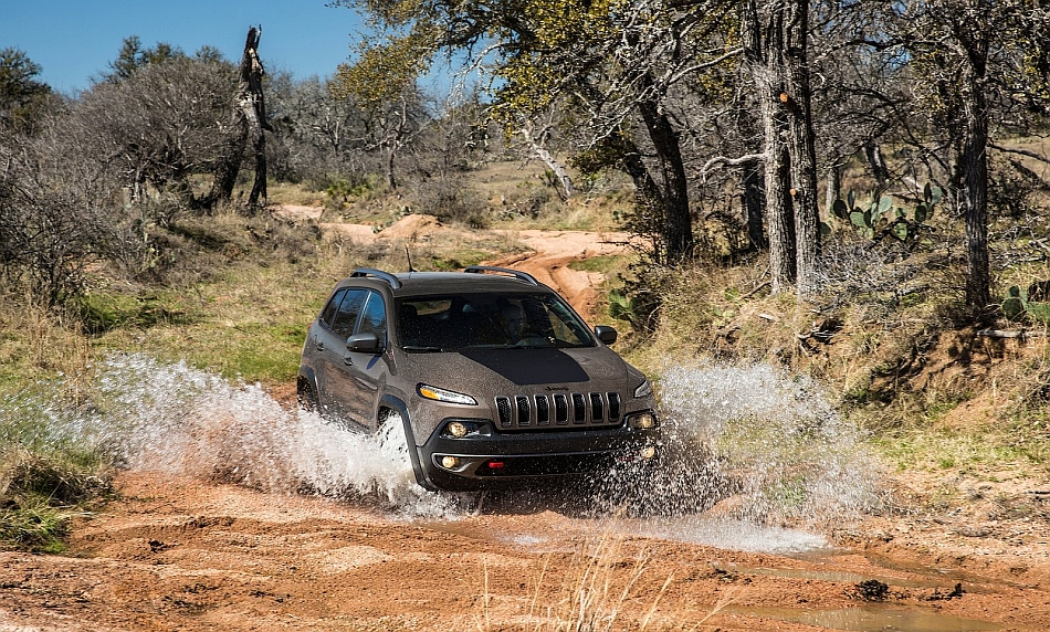 2014 Jeep Cherokee Mudding