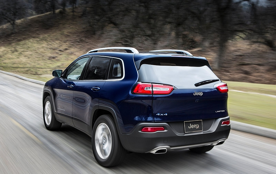 2014 Jeep Cherokee Rear 3-4 Left Cruising