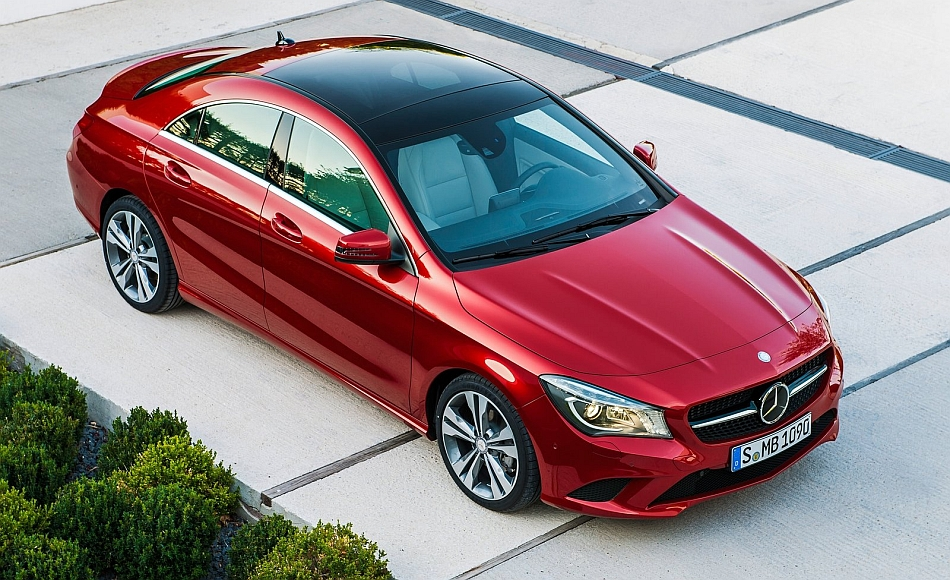 2014 Mercedes-Benz CLA-Class Front 7-8 Right From Above