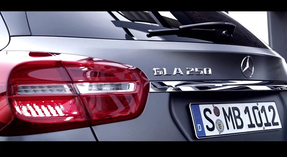 2014 Mercedes-Benz GLA-Class Teasers