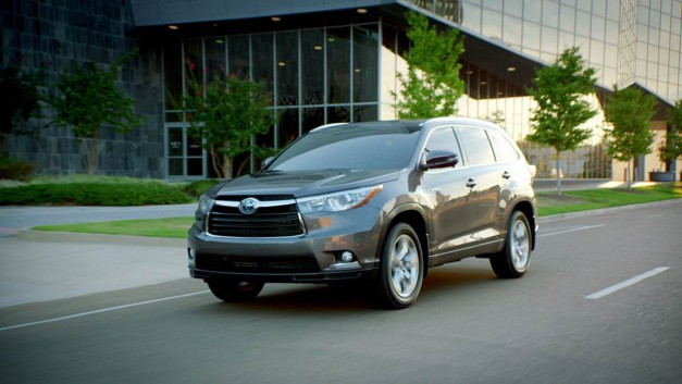 Pricing and options detailing released for the 2014 Toyota Highlander, starts at $29,215