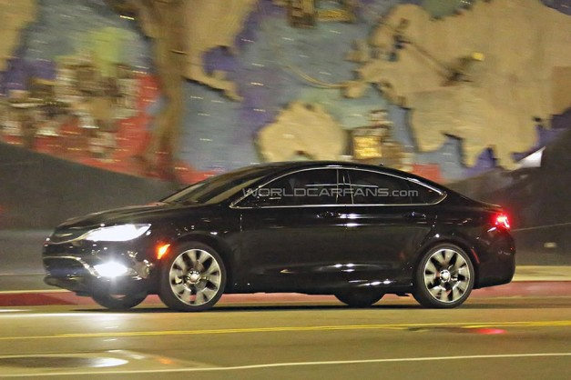 Chrysler 200 Spy | Autos Post