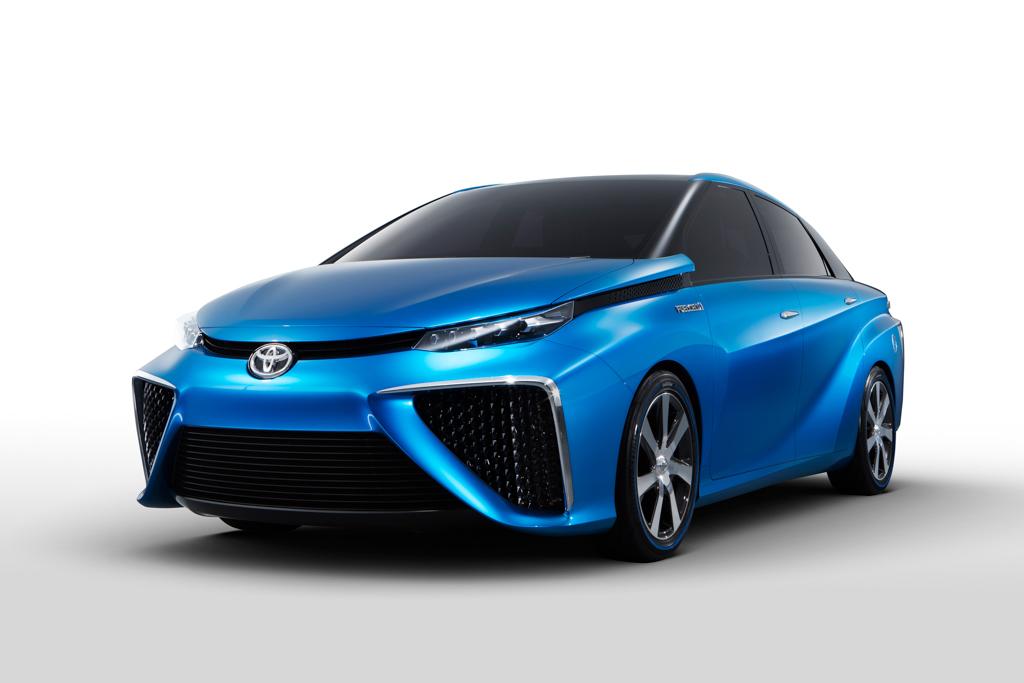 2015 Toyota FCV Hydrogen Fuel Cell Car32  egmCarTech