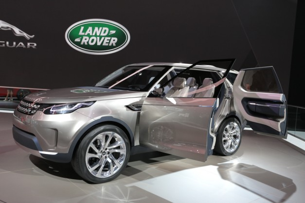 2014 NYIAS: Invisible, Self-Driving, Land Rover Discovery Vision Concept