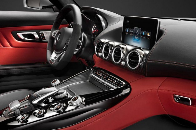 Photo Leak: Interior pictures of the 2015 Mercedes-Benz AMG GT surface
