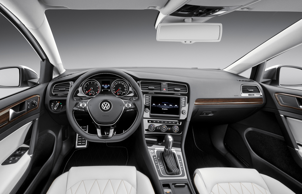 Volkswagen Midsize Coupe Concept Interior