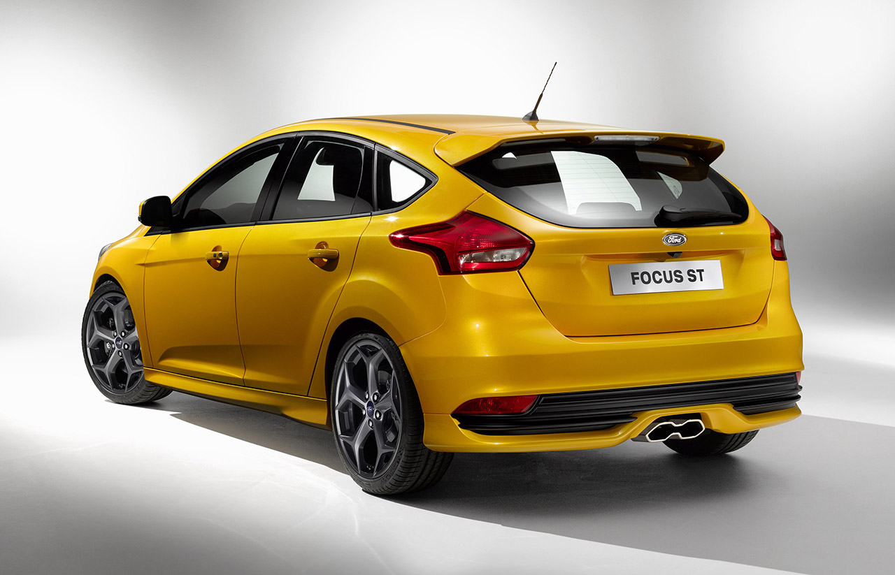2015 ford focus st rear
