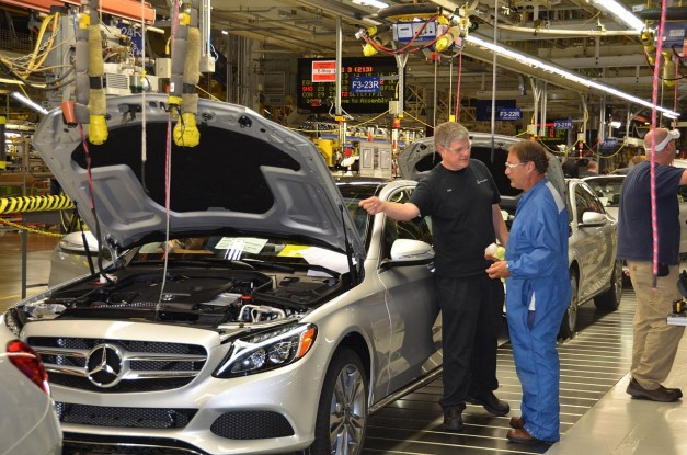 Feds launch investigation with Daimler AG over emissions concerns