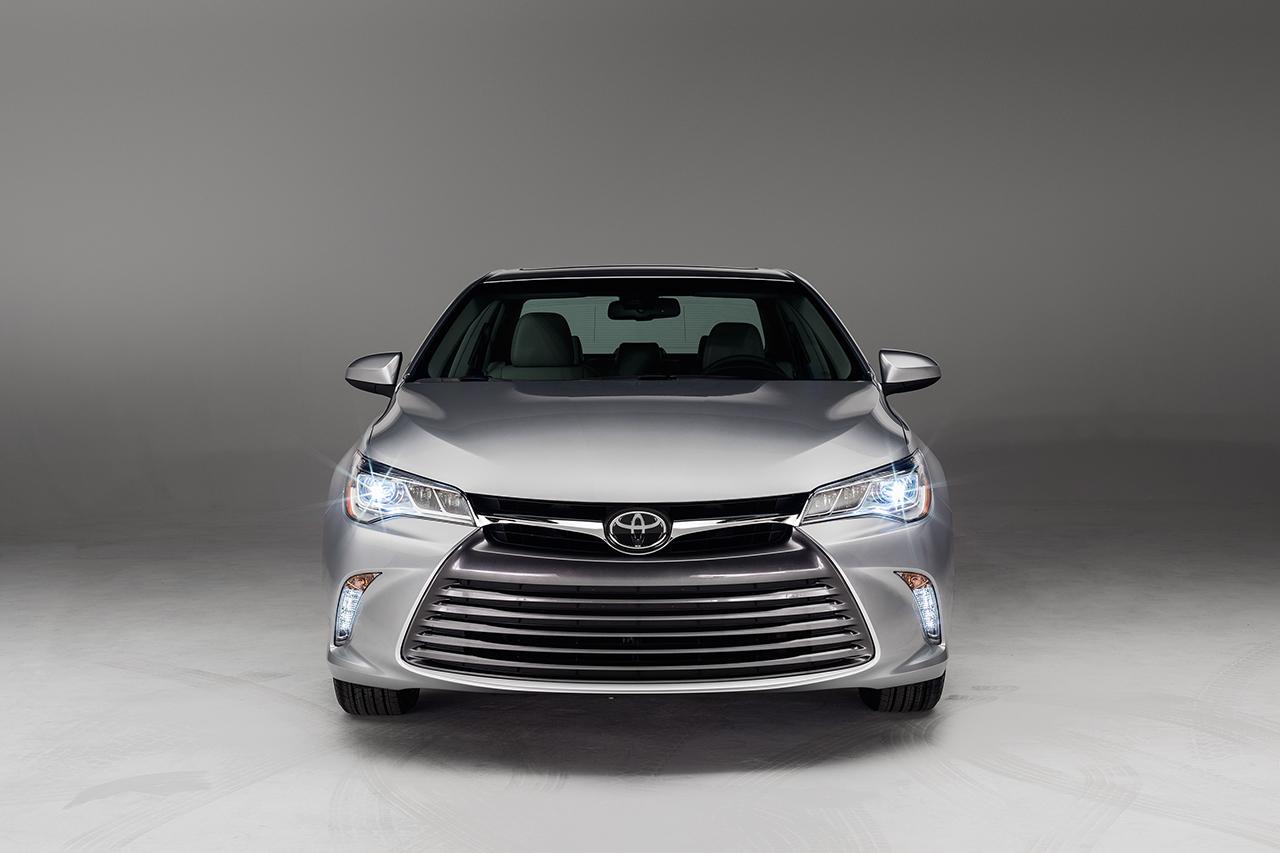 2015 Toyota Camry (16) - egmCarTech - egmCarTech