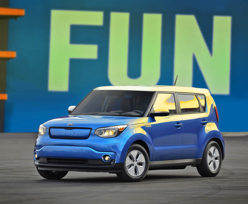 kia soul ev offers up to 93 mile range available for 26 200 egmcartech. Black Bedroom Furniture Sets. Home Design Ideas