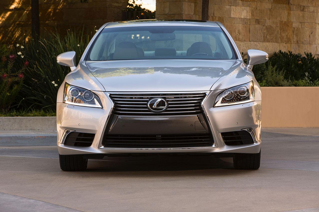 2015 Lexus LS (11)