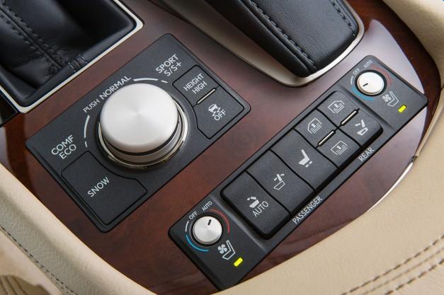 egmCarTech2015 Lexus LS (23) - egmCarTech