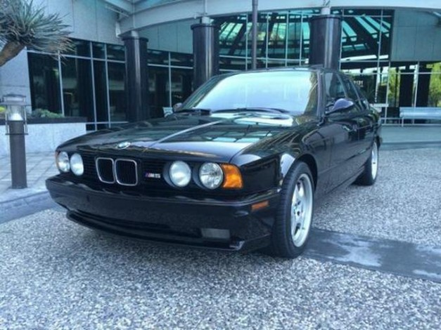 Offbeat: Would you buy this near-museum quality E34 BMW M5 for this insane price?