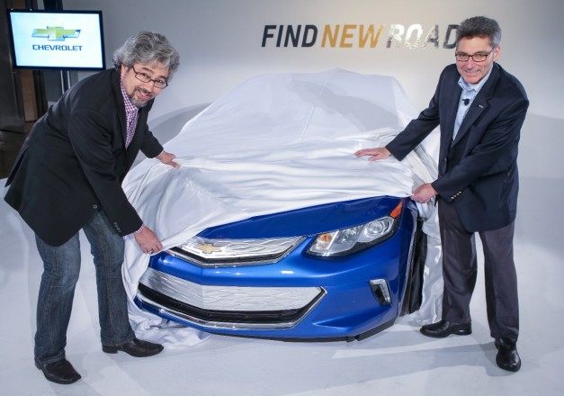 Video: Chevrolet teases the new 2016 Volt's interior while demonstrating Regenerative Braking