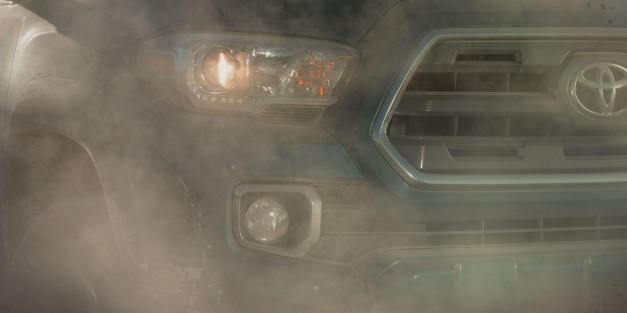 Toyota reveals a new teaser for the 2016 Tacoma, to be revealed in Detroit