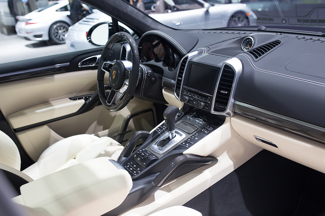 2015 detroit 2016 porsche cayenne turbo s 7 egmcartech egmcartech2015 detroit 2016 porsche cayenne turbo s 7 egmcartech - Porsche Cayenne Turbo S 2015