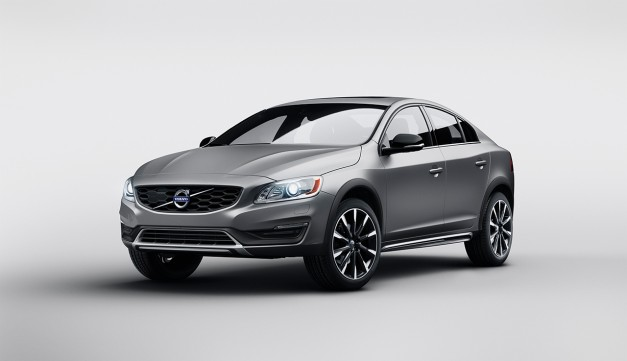 Report: Volvo drops the S60 Cross Country due to slow sales