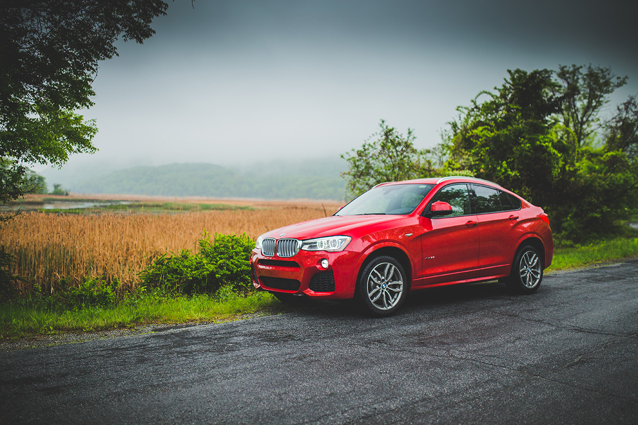 test drive the 2015 bmw x4 xdrive35i is the answer to a. Black Bedroom Furniture Sets. Home Design Ideas