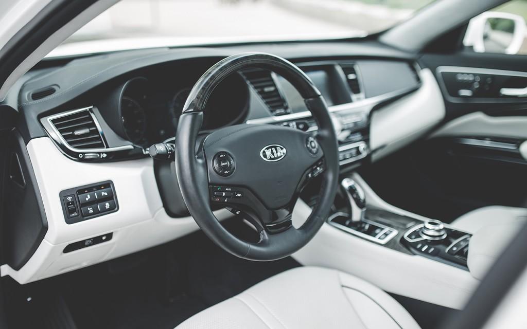 2015 Kia K900 (28)